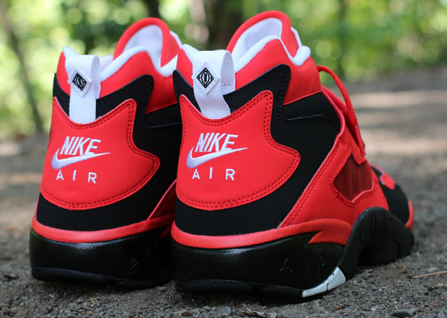 best sneakers 7b94e 10576 Nike Air Diamond Turf Black/White/Challenge Red - Release Date