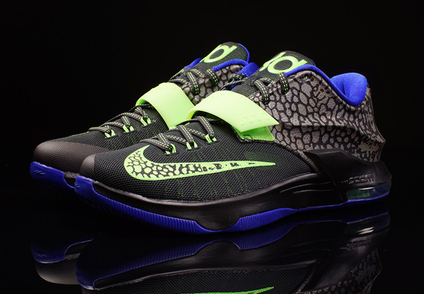 """d63f1a401a12 ... Nike KD 7 Electric Eel - Detailed Pictures Def Pen Cheap Nike KD 7 """"Electric  Eel"""" BlackFlash Lime-Lyon Blue Nike KD 7 Metallic Pewter Flash ..."""