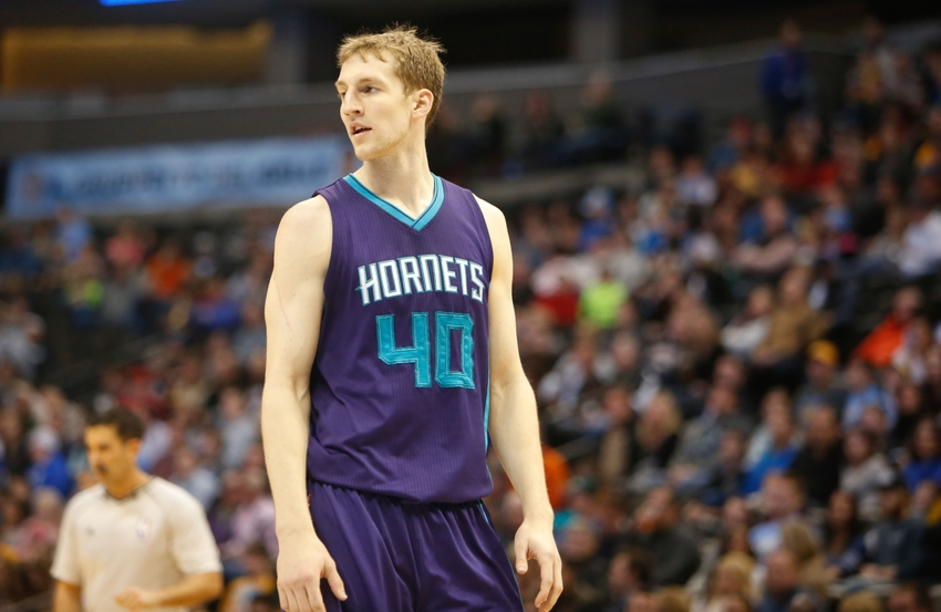 Cody Zeller with a weight of 106 kg and a feet size of N/A in favorite outfit & clothing style