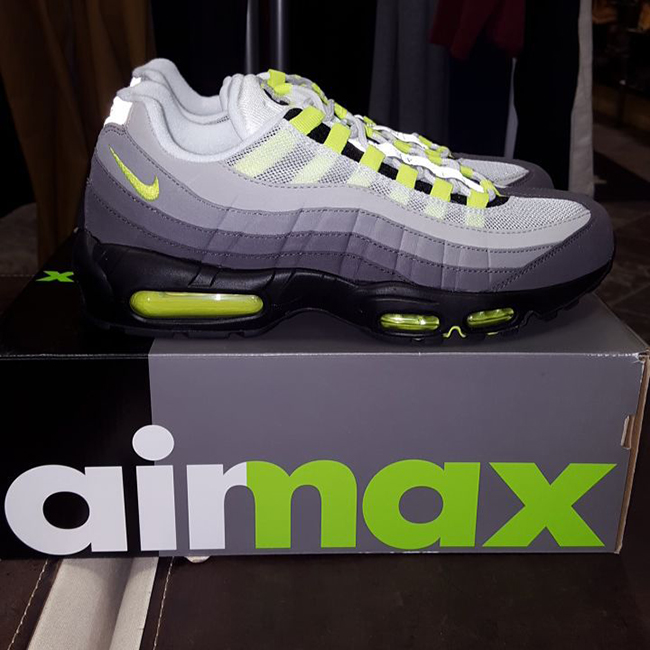 promo code 48abd 32ec6 Nike Air Max 95 OG 'Neon' Releasing In Original Box | Def Pen
