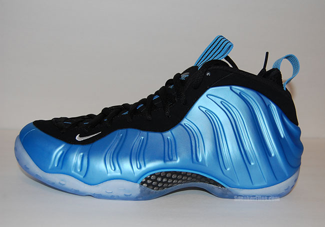 Now Available: Nike Air Foamposite One W USA ? Sneaker ...
