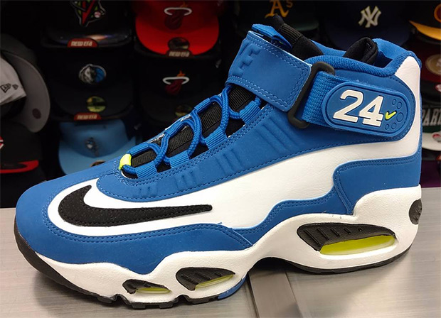 big sale bbfc3 9720c Nike Air Griffey Max 1 'Varsity Royal' Release Date Is Set | Def Pen