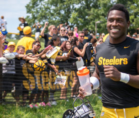 Steelers-Training-Camp-Antonio-Brown