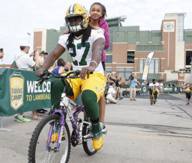 eddie-lacy-bike-training-camp