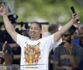 Cleveland Cavaliers head coach Tyronn Lue (AP Photo/Tony Dejak)