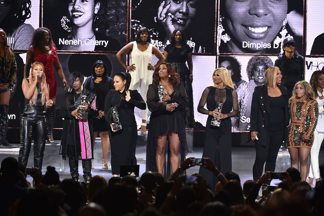 """NEW YORK, NY - JULY 11: Host Eve and honorees Missy Elliott, DJ Spinderella, Cheryl """"Salt"""" James, Sandra """"Pepa"""" Denton, Queen Latifah, and Lil Kim watch show during the VH1 Hip Hop Honors: All Hail The Queens at David Geffen Hall on July 11, 2016 in New York City. (Photo by Theo Wargo/Getty Images for VH1)"""