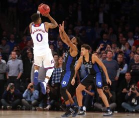 Frank Mason III shoots the game-winner over Duke (Brad Penner-USA TODAY Sports)