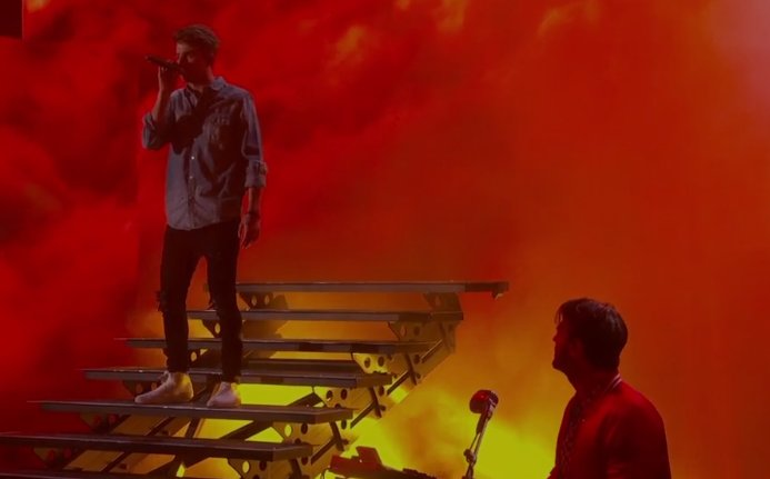 The Chainsmokers 2017 Billboard Music Awards Performance